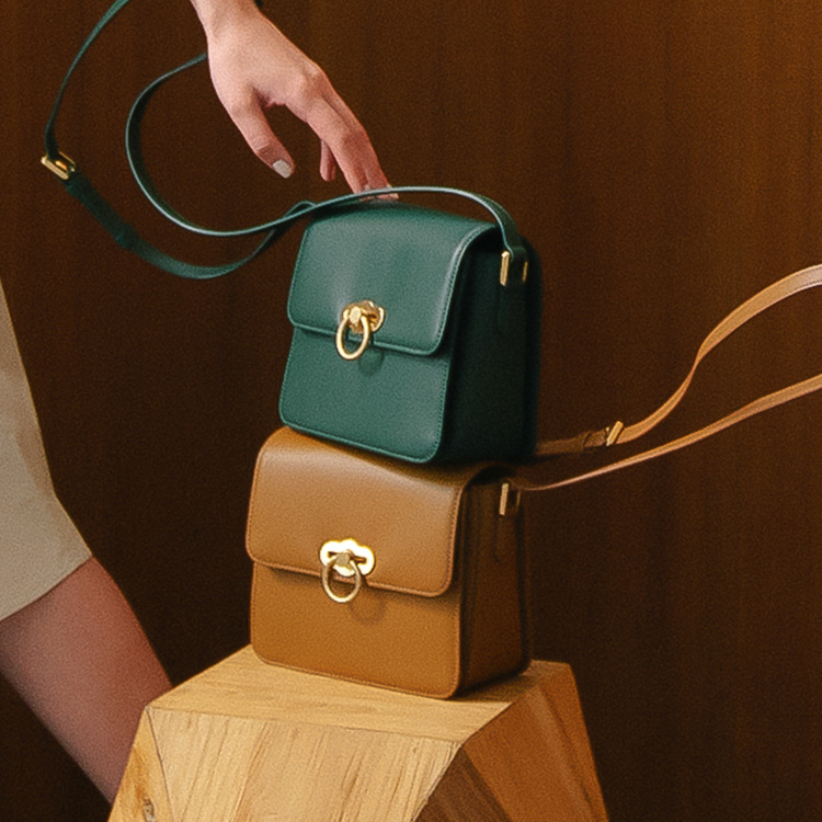 REAL LEATHER BAGS<br>KENNETH YOUNG