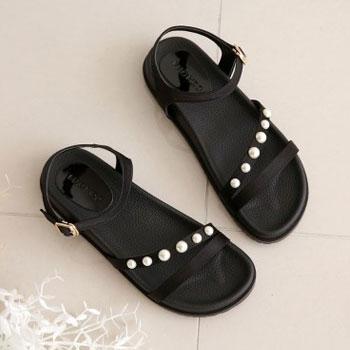 셀럽이 신는 신발 MACMOC