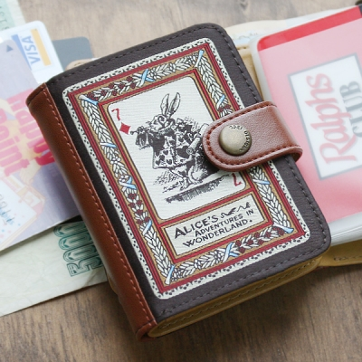 Alice's wallet pocket