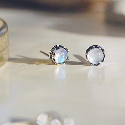 [하우즈쉬나우] 달빛행성, 문스톤 crown earrings (6월 탄생석)