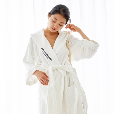 THE ROBE (WHITE, LARGE)