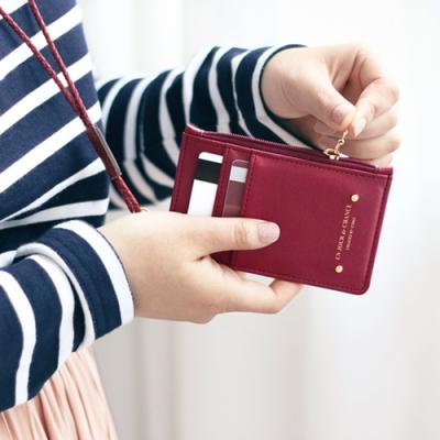 아이코닉 짚업 넥 카드포켓