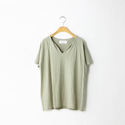 V slit raglan half T-shirt