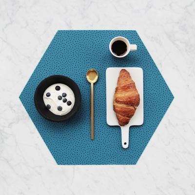 Polygon Placemat (실리콘재질 폴리곤 테이블매트) - Blue