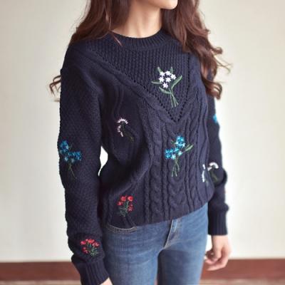 [3칼라]플로랄 자수 스웨터