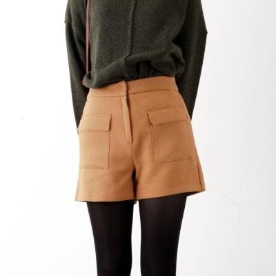 wool pocket short pants