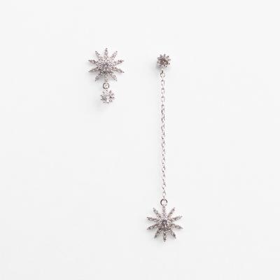 [쥬디앤폴] 프리마 화려한 언발란스 롱 귀걸이 (순은925) E41089