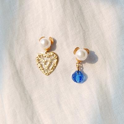 [하우즈쉬나우] 로마 위드 블루, pearl and crystal earrings
