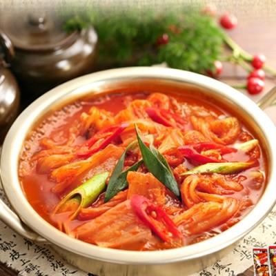 신사강 김치찌개 900g(3~4인분)_(1617953)