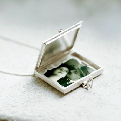 [normaldott] Document silver locket pendant