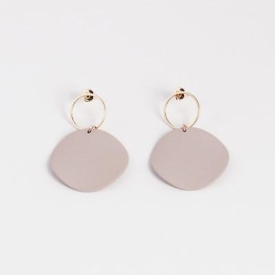 pastel beige drop earring