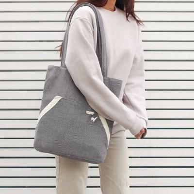 Kangaroo pocket bag _ Soft grey