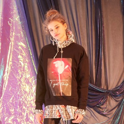 PRINTED ROSE SWEATSHIRT - BLACK