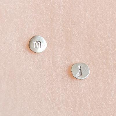 [하우즈쉬나우] Belief and Faith, A to Z 실버 이니셜 earrings
