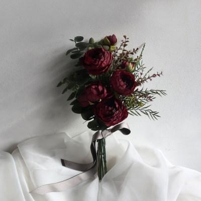 조화 - 레드색감의 러넌큘러스 웨딩촬영 부케