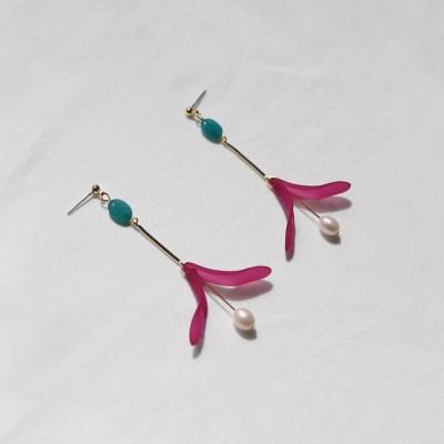 violet red petal earrings