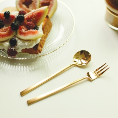 Gold simple dessert spoon & fork