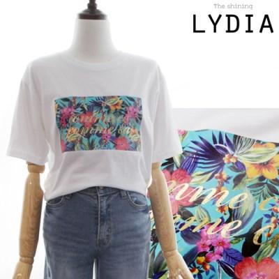 LYDIA COMMECI T-Shirts