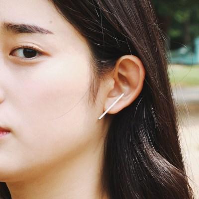 silver stick line earring