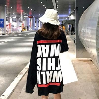 러브앤시티 거꾸로 롱티셔츠 레터링 박스핏 티셔츠_(701467431)