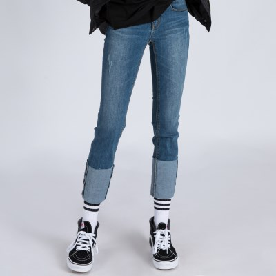 WOMENs SLIM STRAIGHT ROLL UP MID WASHED