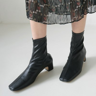 Line detail ankle boots