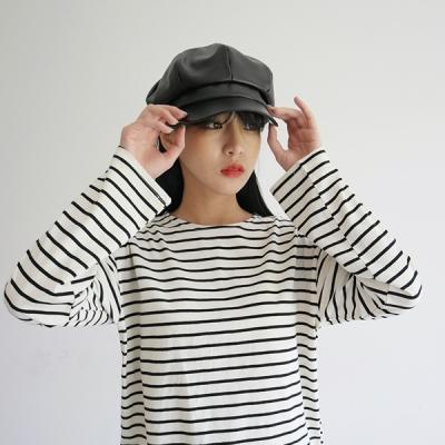 Leather black newsboy cap