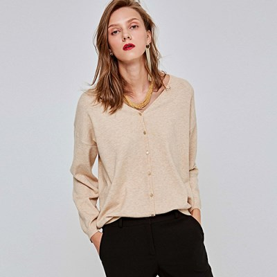 Y-NECK STUD KNIT CARDIGAN_BEIGE
