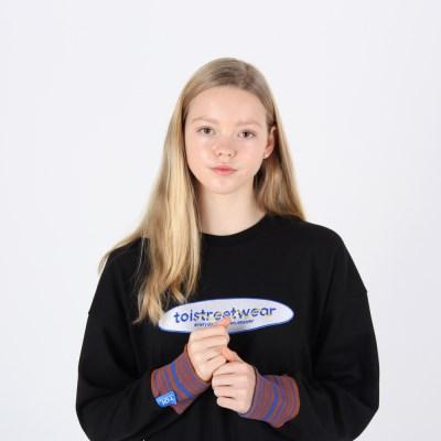 [TOi] TSW 로고 스웨트셔츠 블랙