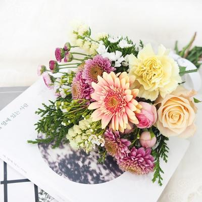 [Size M] 당신의 일상에 싱그러움이 되어줄 꽃다발 (꽃+화병)