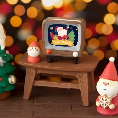 데꼴 크리스마스 TV와 벽돌매트 피규어