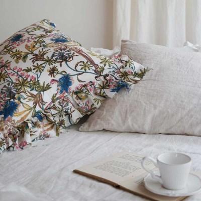 플레르 린넨 프릴 쿠션 : Fleur Linen frill cushion