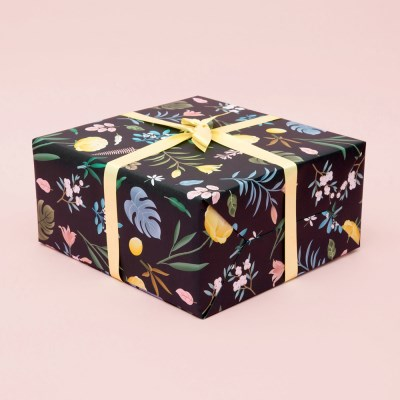 BOTANICAL WRAPPING PAPER - BLACK