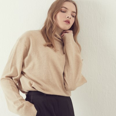 [아르테노] Cash Semi Oversize Turtle neck - Beige