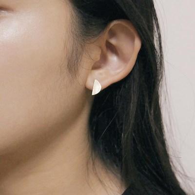 [2컬러]half moon silver earring