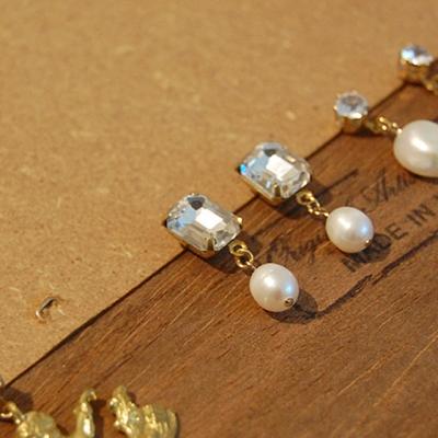 [하우즈쉬나우] Crystal Stone Pearl Earrings (천연 담수진주)