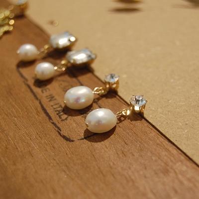 [하우즈쉬나우] Snow Pearl Cubic Earrings (천연 바로크 담수진주)