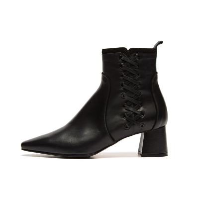 lace up ankle boots(black)