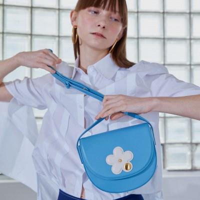CAMILLA MINI FLOWER SHOULDER BAG_SKY BLUE