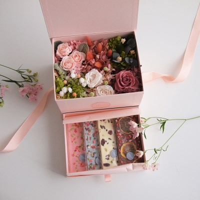 PAVE FLOWER BENTO BOX