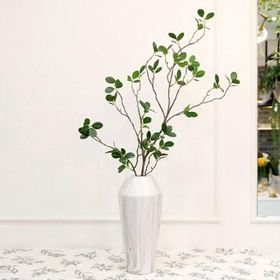 초록 잎 가지 조화