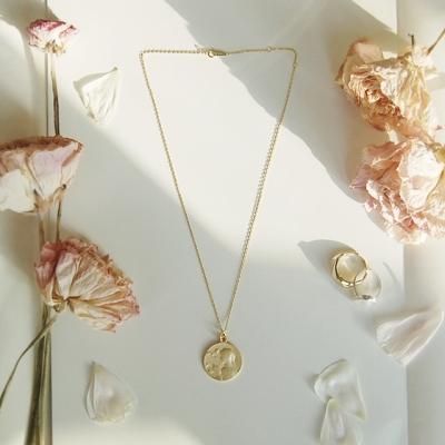 [하우즈쉬나우] Maria Gold Medal Silver Necklace