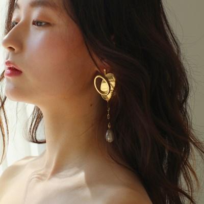 unbal bold heart earring
