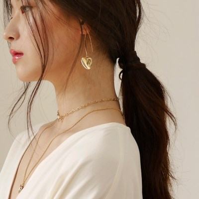 curved drop heart earring