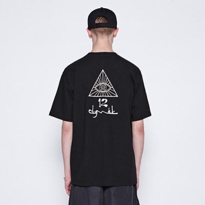 [디바이디그낙] illi Triangle Printing T-Shirts BK