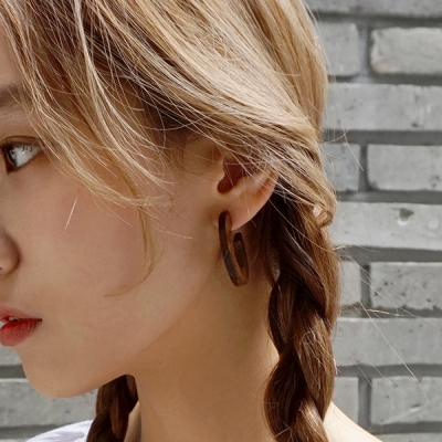 C shape wooden earring