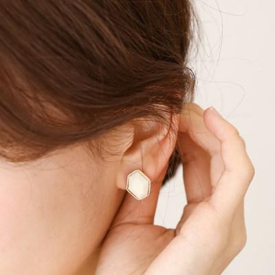 Soft hexagon earrings