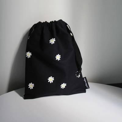 Mini flower string pouch m