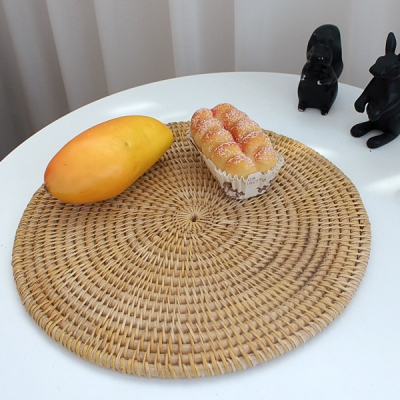 이너스 원형 라탄 테이블매트