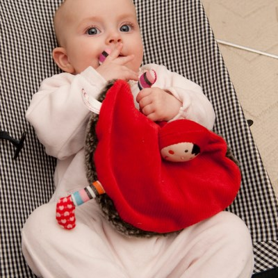 [에불로보] 프랑스 국민 애착인형 울프와 빨간두건 쓴 소녀